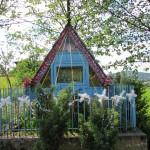 Kapliczka na osiedlu Trzeciaki