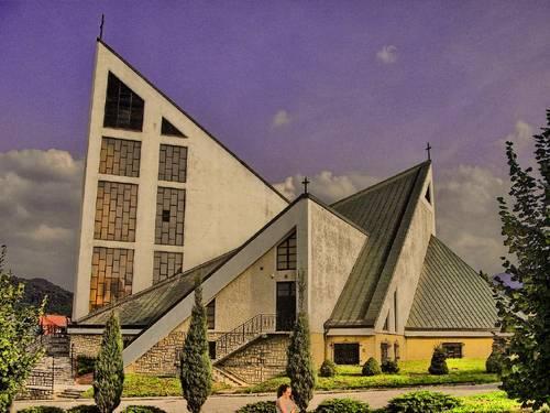 Parafia w Skrzydlnej