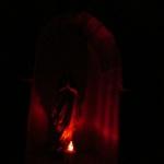 Kaplica Na Brzegu nocą - Matka Boska z Lourdes