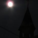 Superksiężyc nad Kaplicą Na Brzegu