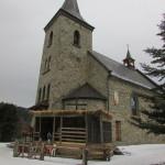 Szopka przy kościele w Węglówce