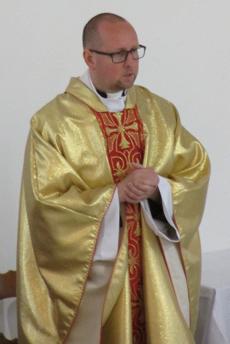 ks. Robert Stanuszek