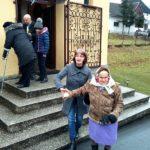 95 letnia pani Bronisława Poradzisz w Kaplicy Na Brzegu u Matki Boskiej Częstochowskiej